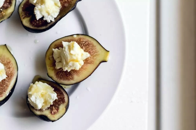 Figs Goat Cheese
